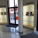 Exposition d'Audrey Siourd dans le hall de la bibliothèque municipale de Saint-Pierre-des-Corps